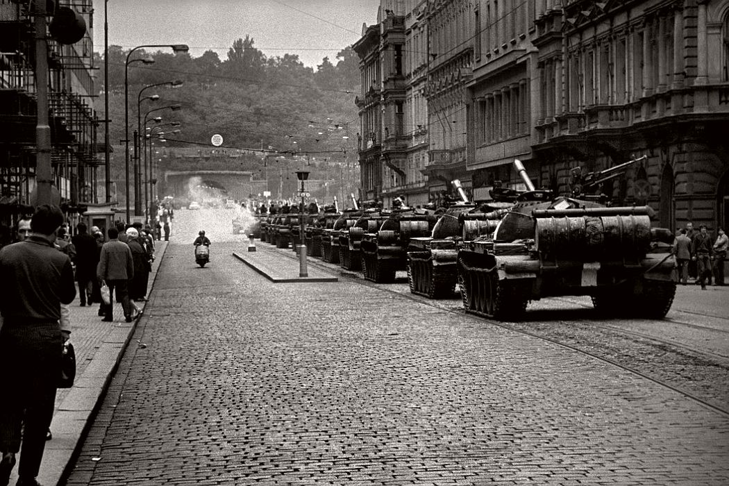 CZECHOSLOVAKIA. Prague. 21 August 1968. Warsaw Pact tanks invade Prague.