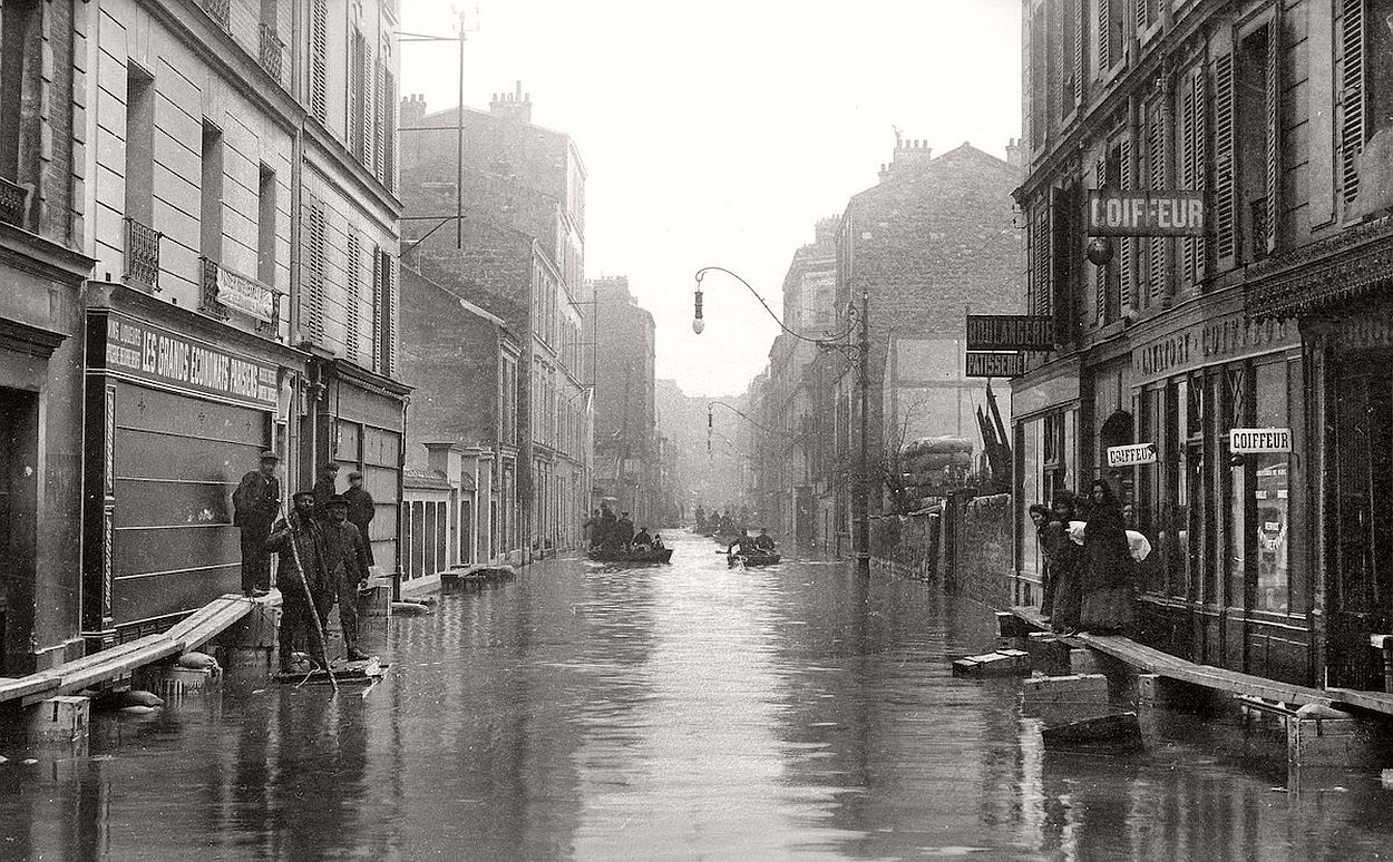 paris-underwater-great-flood-1910-04
