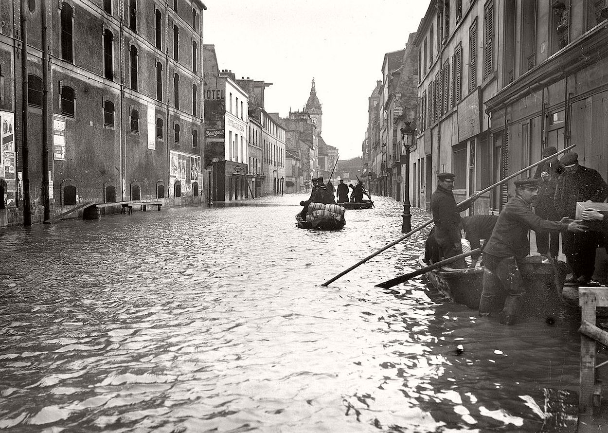 paris-underwater-great-flood-1910-09