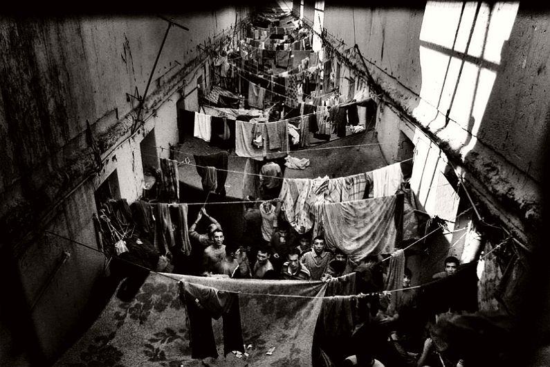 valerio-bispuri-encerrados-latin-american-prisons-15