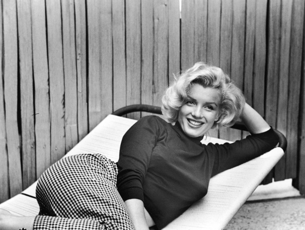 10-famous-photographers-and-10-black-and-white-photos-of-marilyn-monroe-Alfred-Eisenstaedt