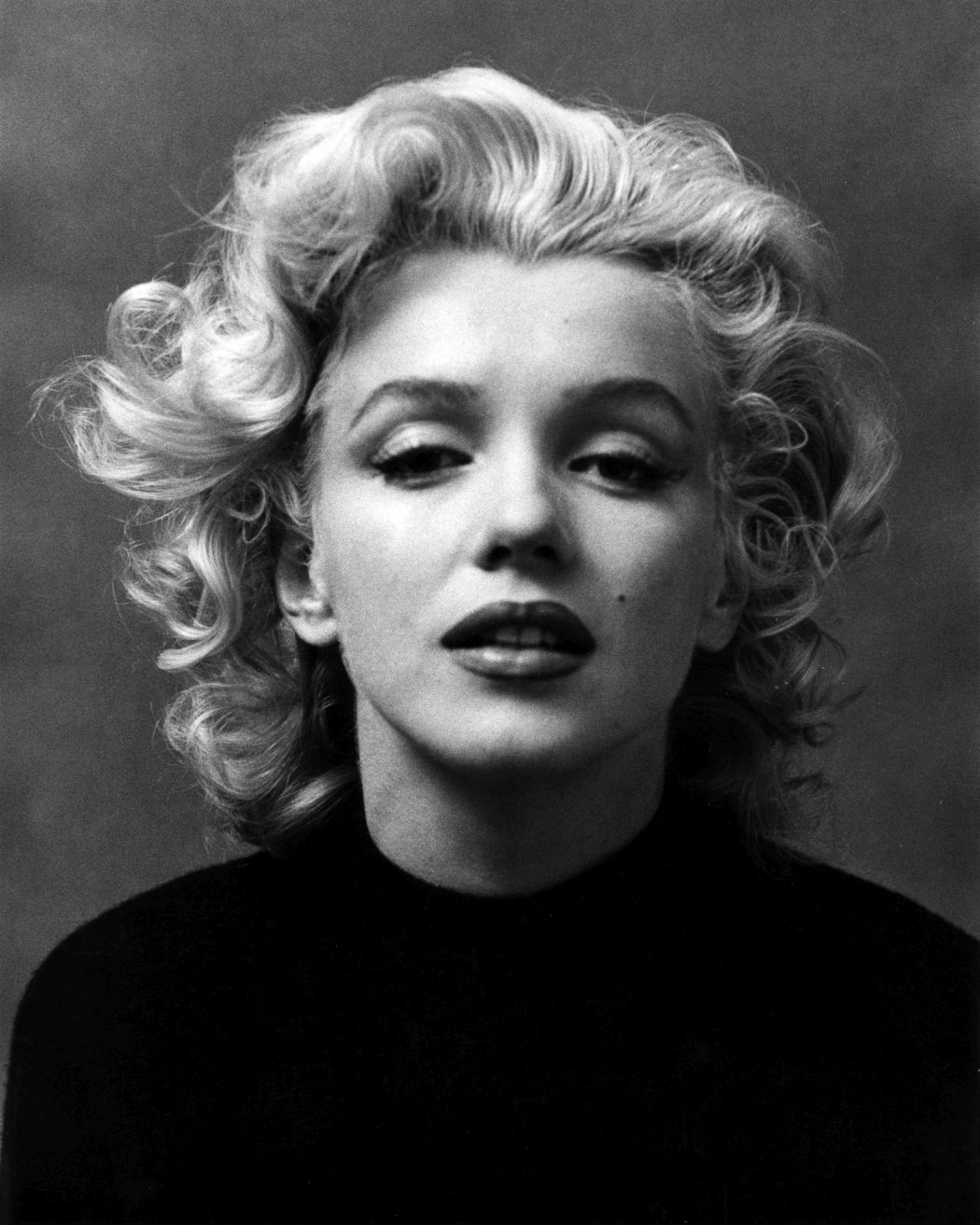 10 Famous Photographers And 10 Black And White Photos Of Marilyn
