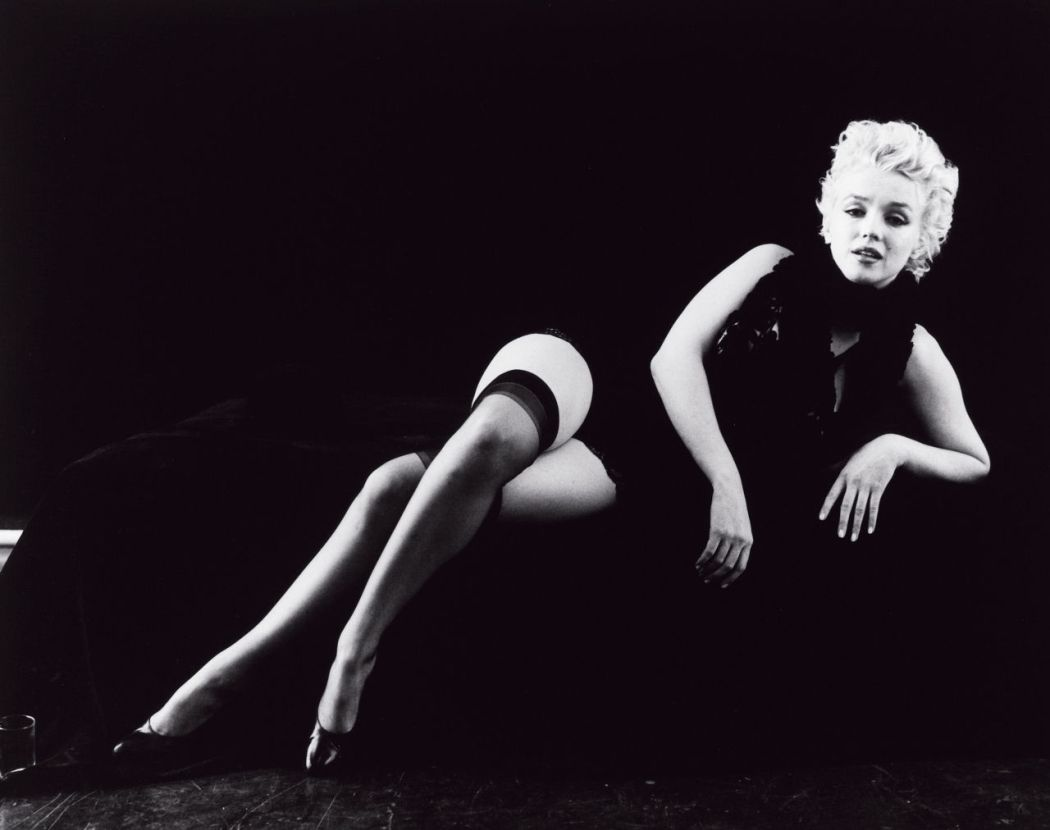 10-famous-photographers-and-10-black-and-white-photos-of-marilyn-monroe-Milton-Greene