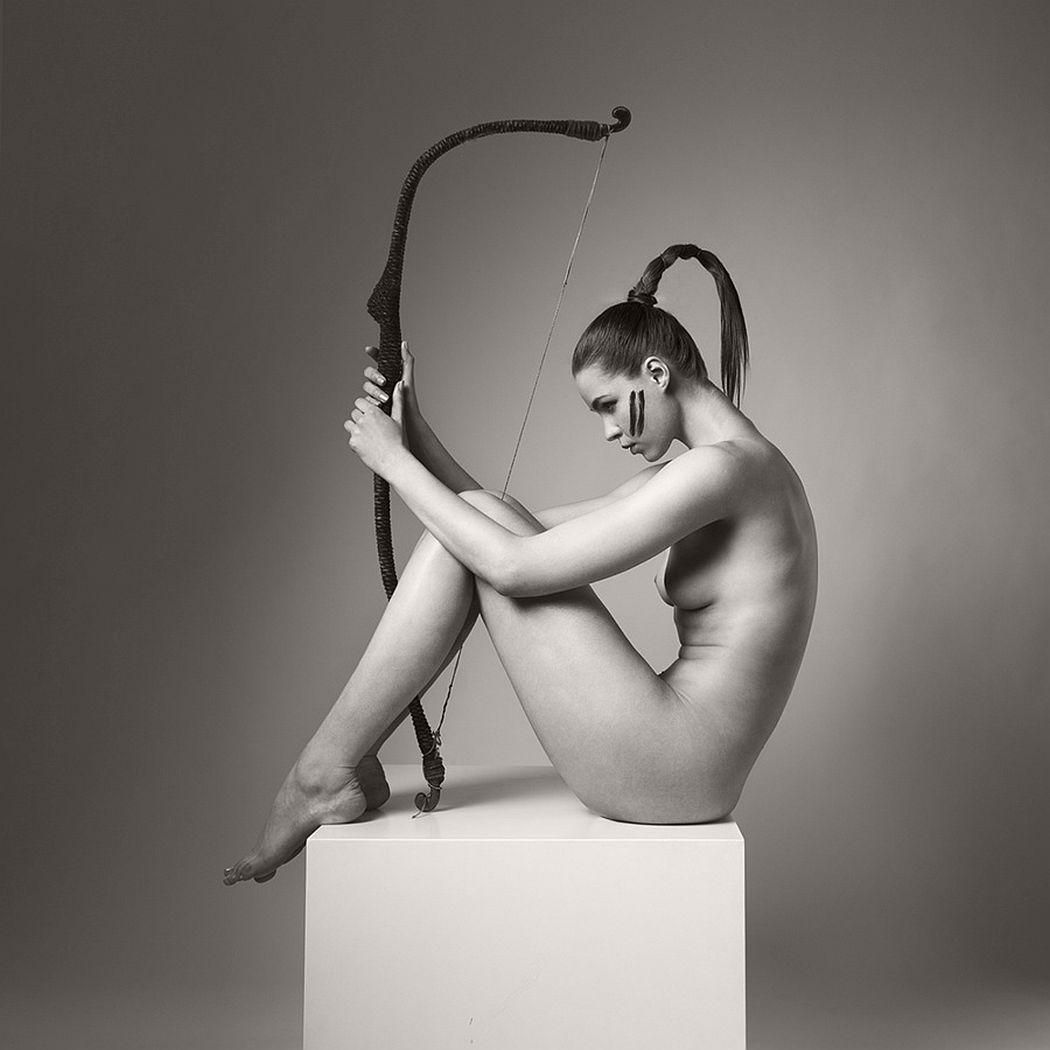 Arkadiusz-Branicki-Geometrical-Fine-Art-Nude-BW-Zodiac-09