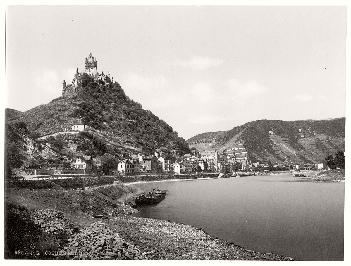 historic-bw-photo-german-Cochem-castle-Moselle-05