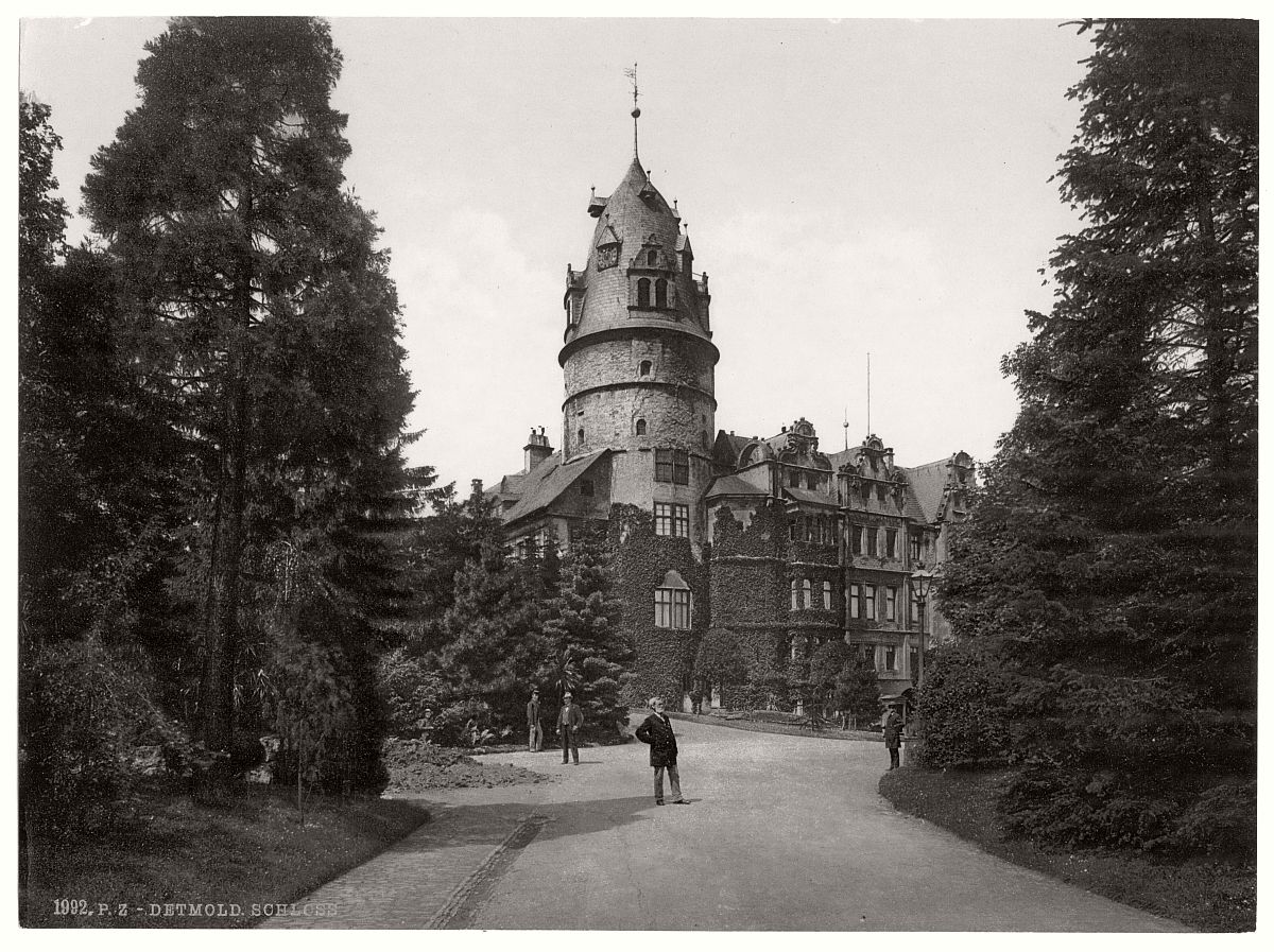 historic-bw-photo-german-Detmold-castle-10