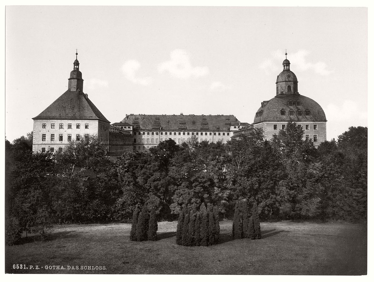 historic-bw-photo-german-Gotha-castle-15