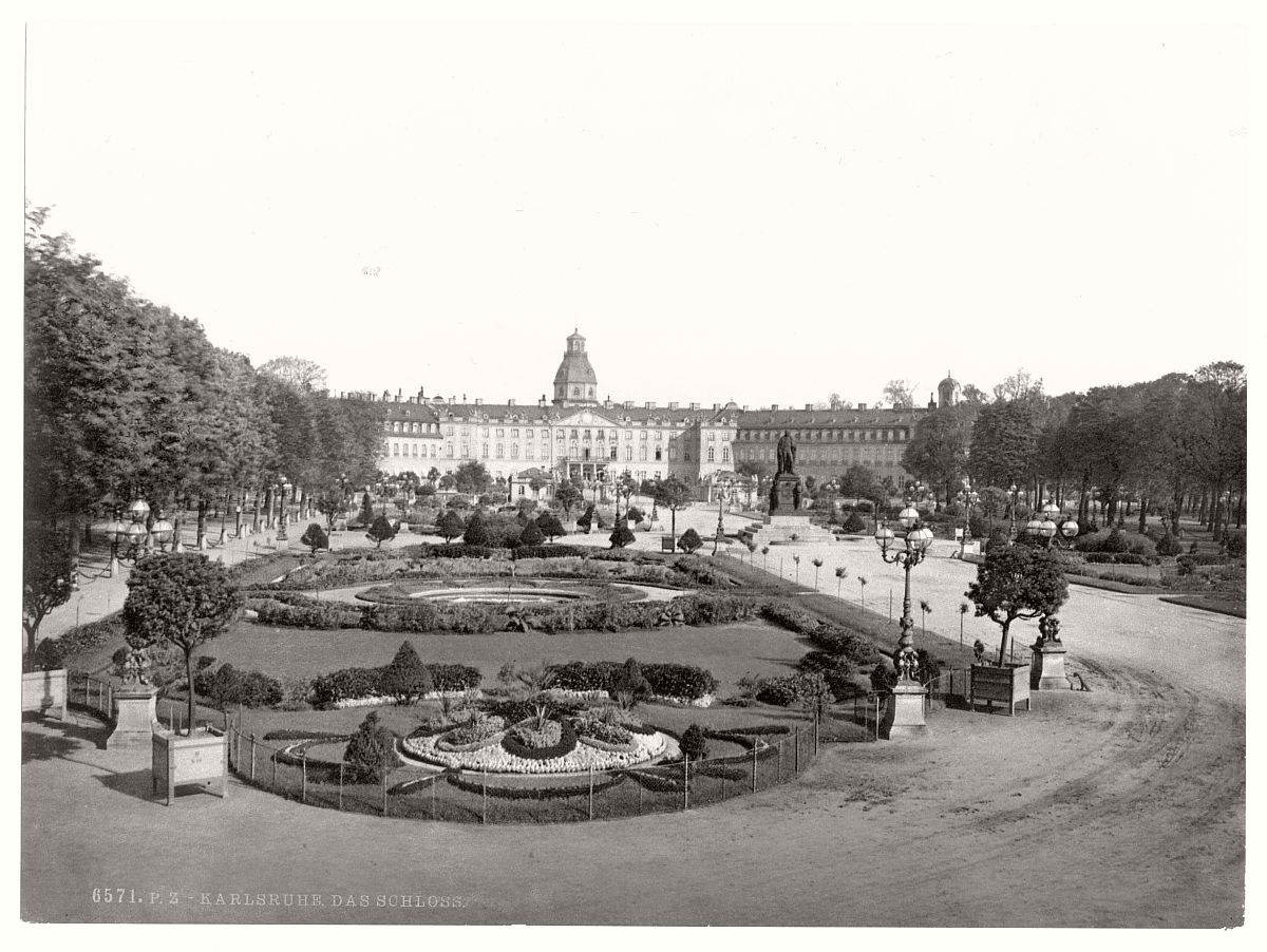 historic-bw-photo-german-Karlsruhe-castle-02