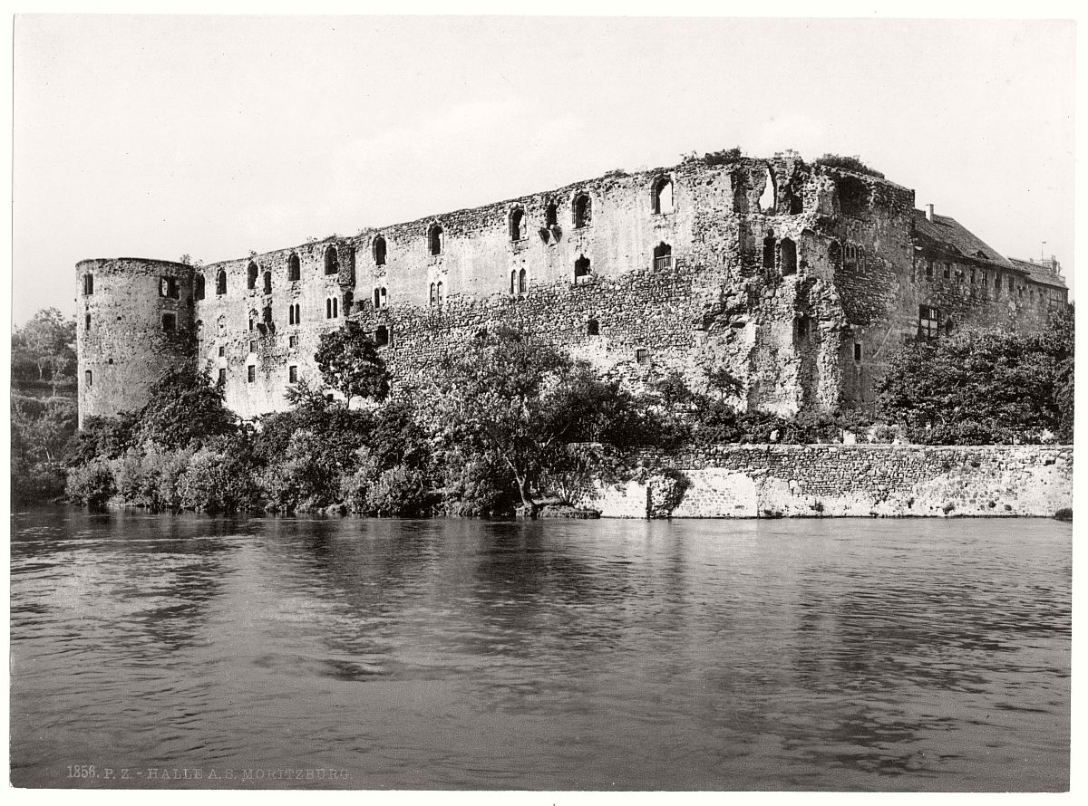 historic-bw-photo-german-Moritzburg-Castle-11