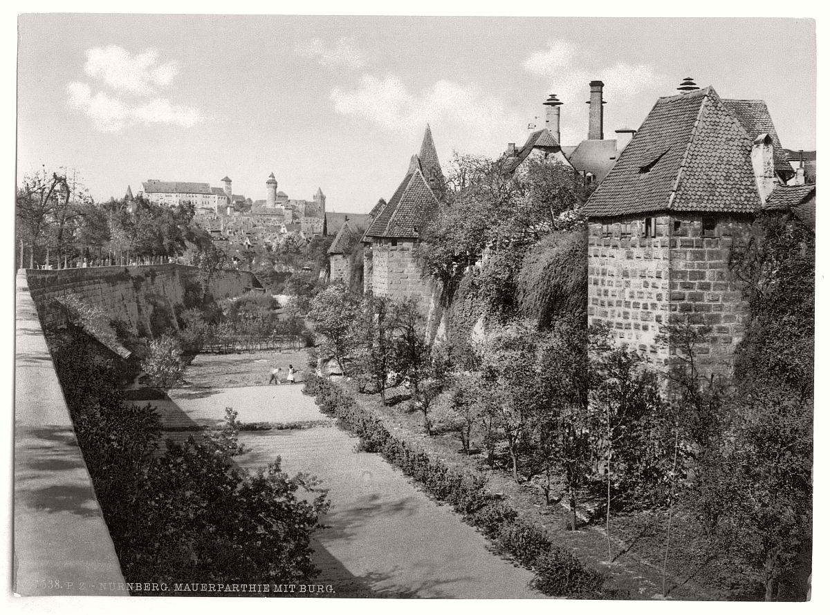 historic-bw-photo-german-Nuremberg-castle-17