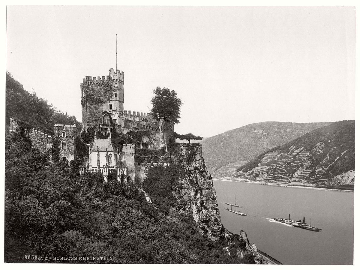 historic-bw-photo-german-Rheinstein-Castle-09
