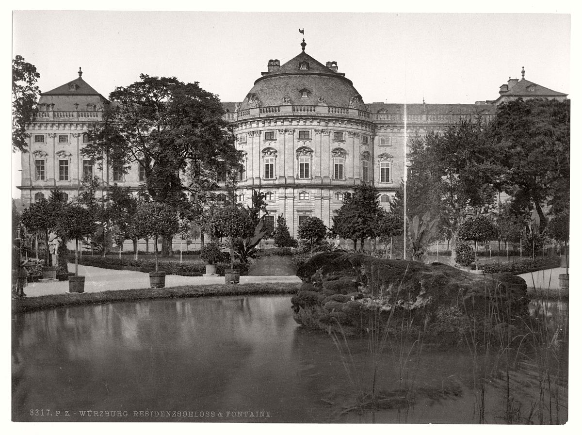 historic-bw-photo-german-Wurzburg-castle-02