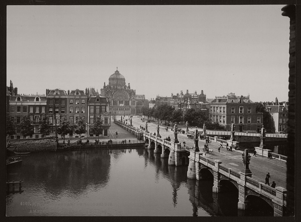 historic-bw-photos-of-amsterdam-holland-in-the-19th-century-14