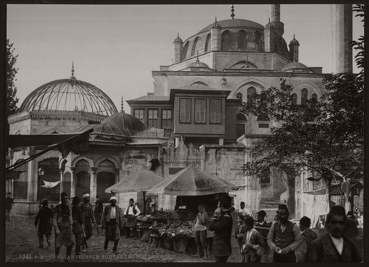 historic-bw-photos-of-constantinople-turkey-in-19th-century-11
