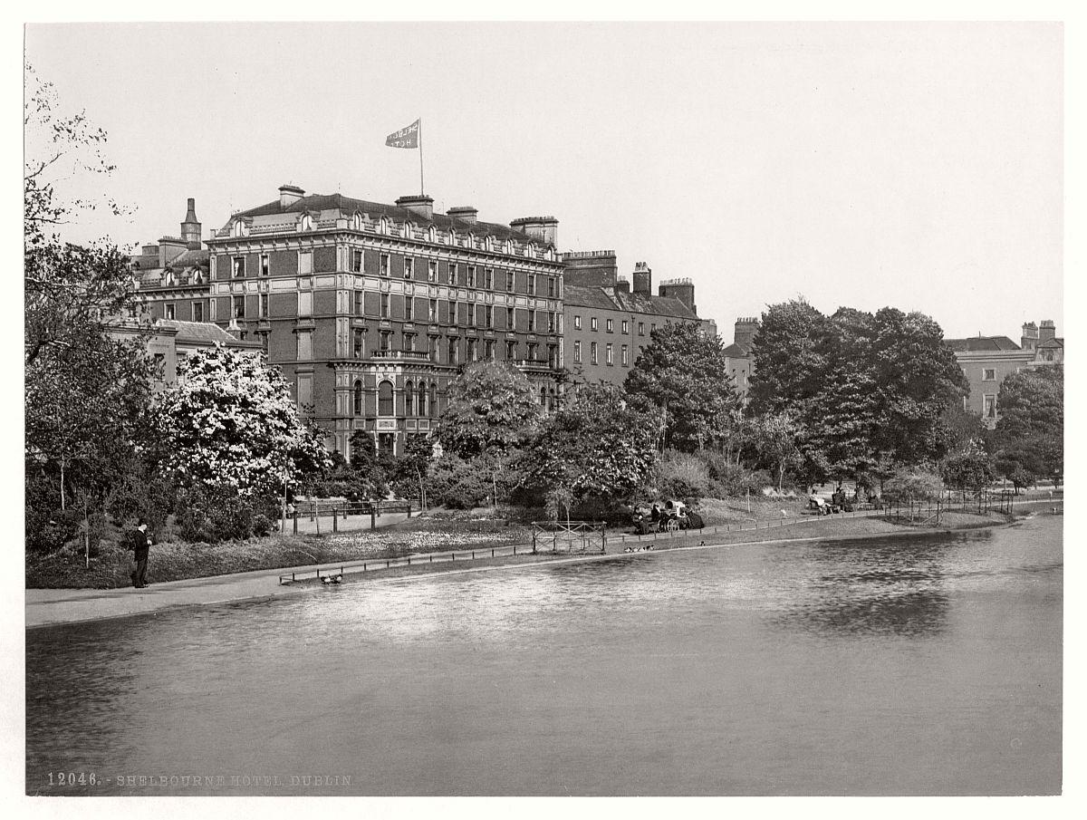 historic-bw-photos-of-dublin-ireland-in-19th-century-03