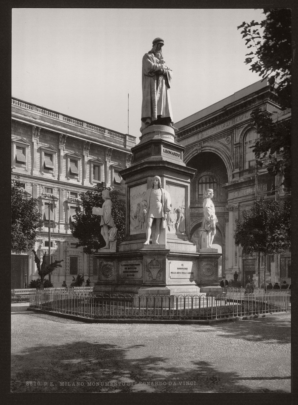 historic-bw-photos-of-milan-italy-in-19th-century-09