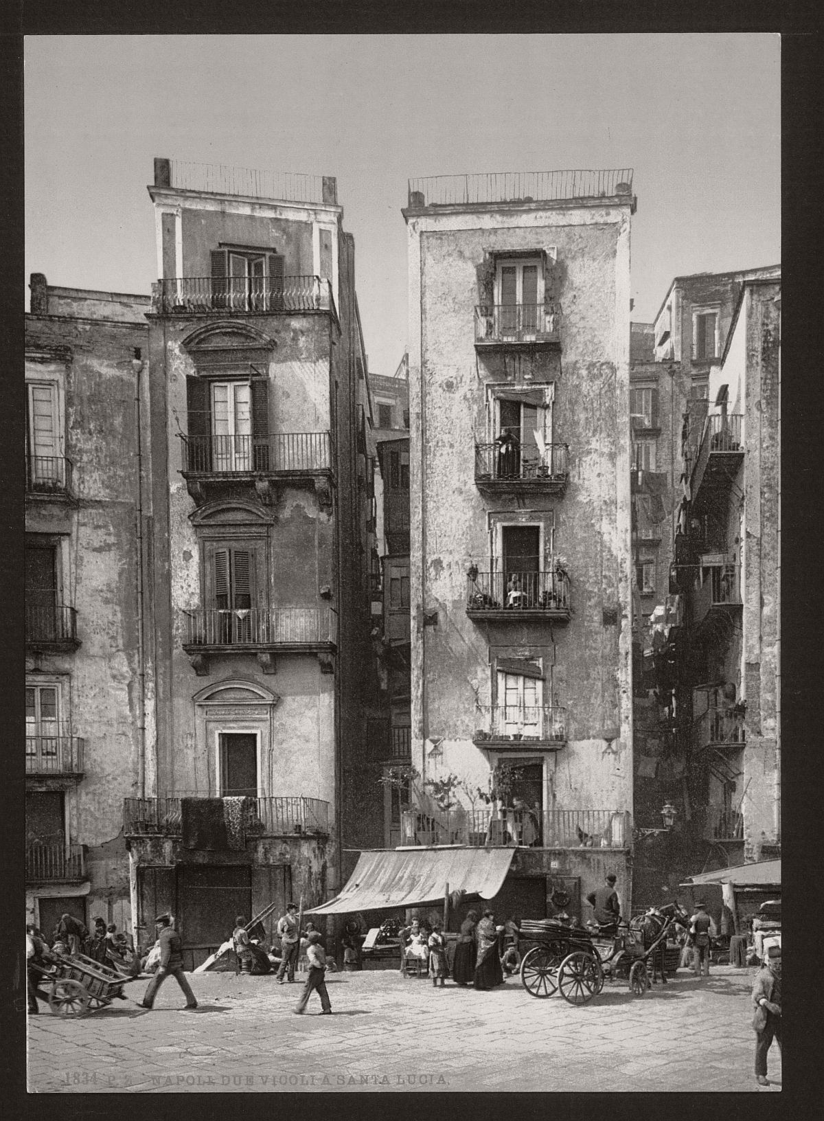 historic-bw-photos-of-naples-italy-in-19th-century-06