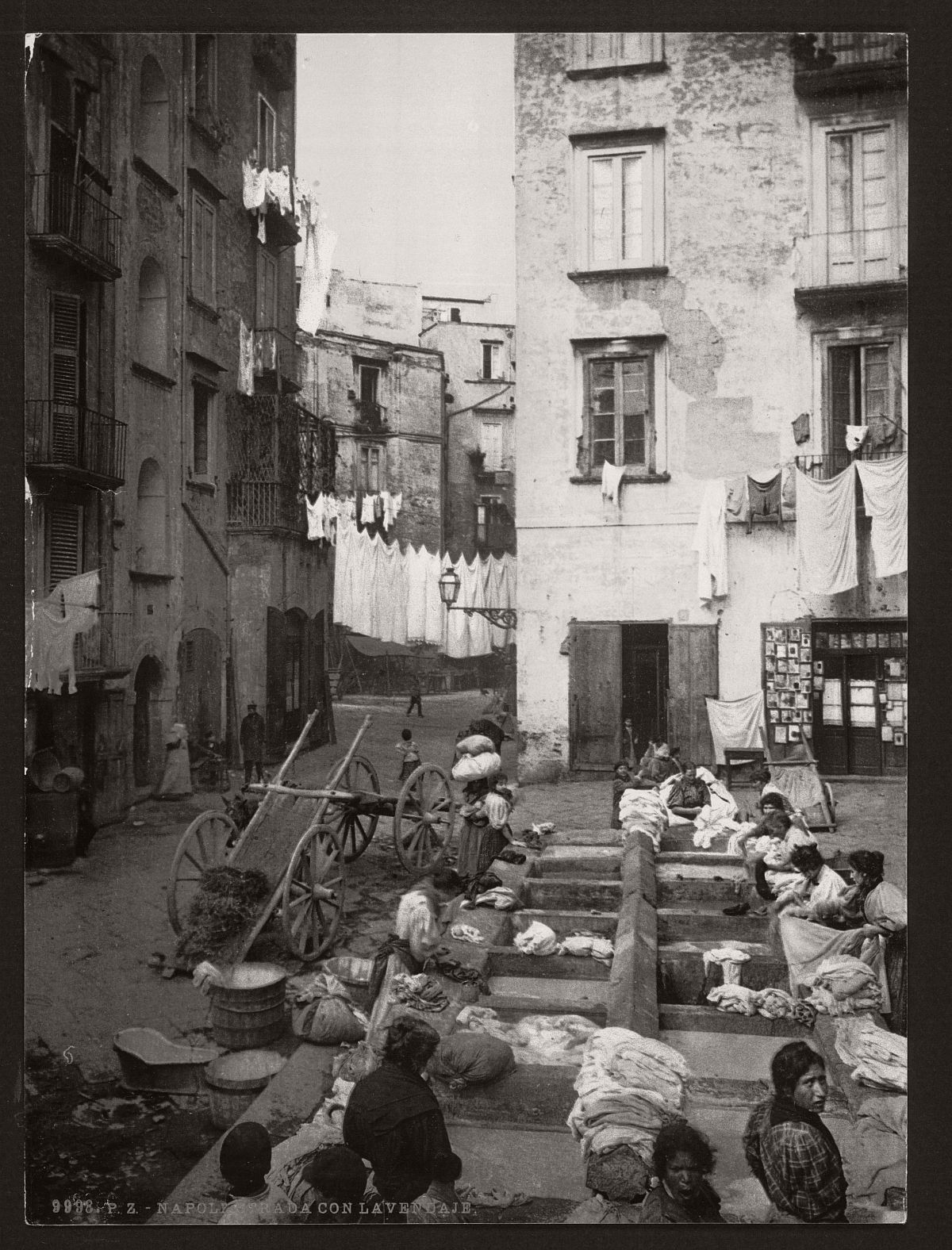 historic-bw-photos-of-naples-italy-in-19th-century-07