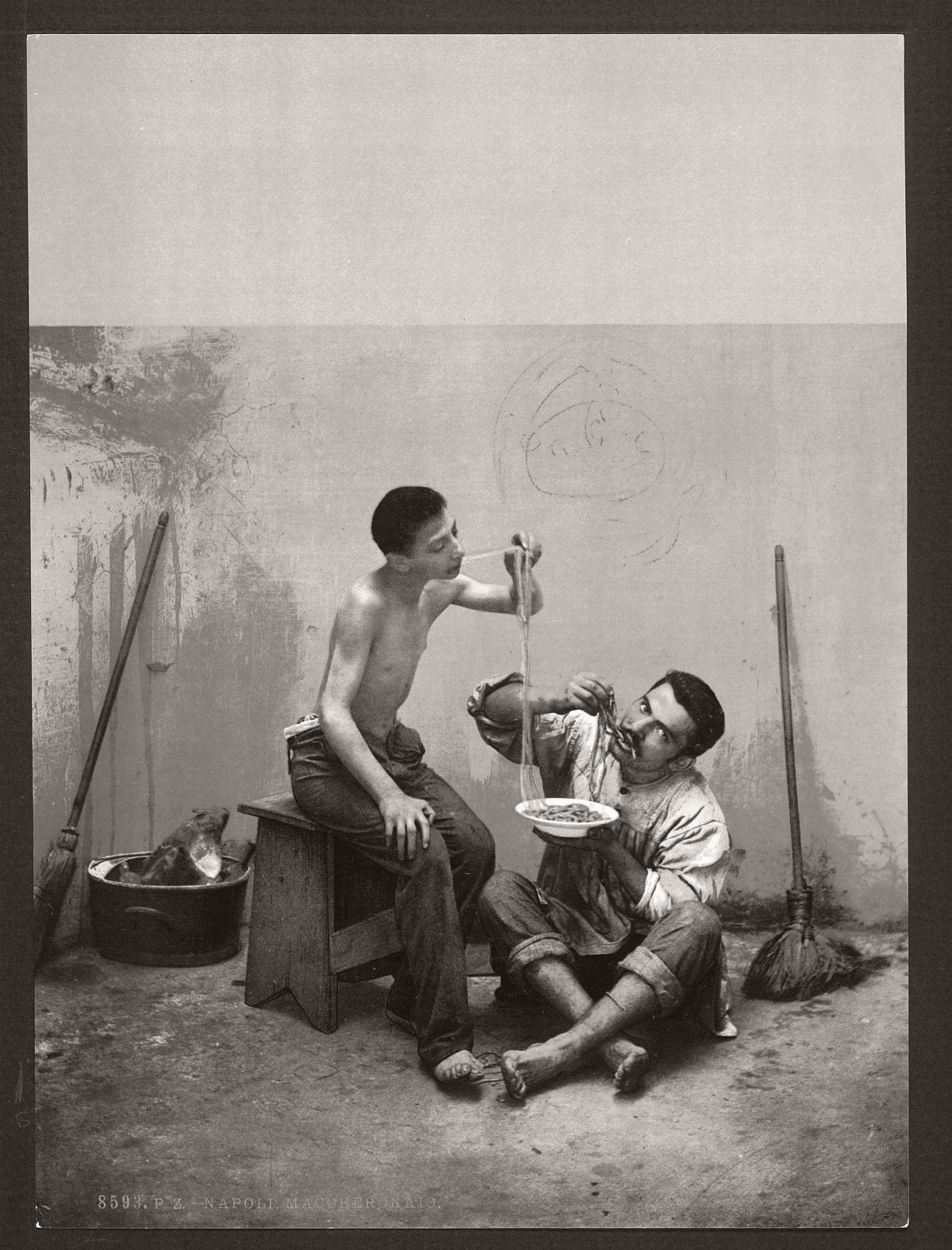 historic-bw-photos-of-naples-italy-in-19th-century-08