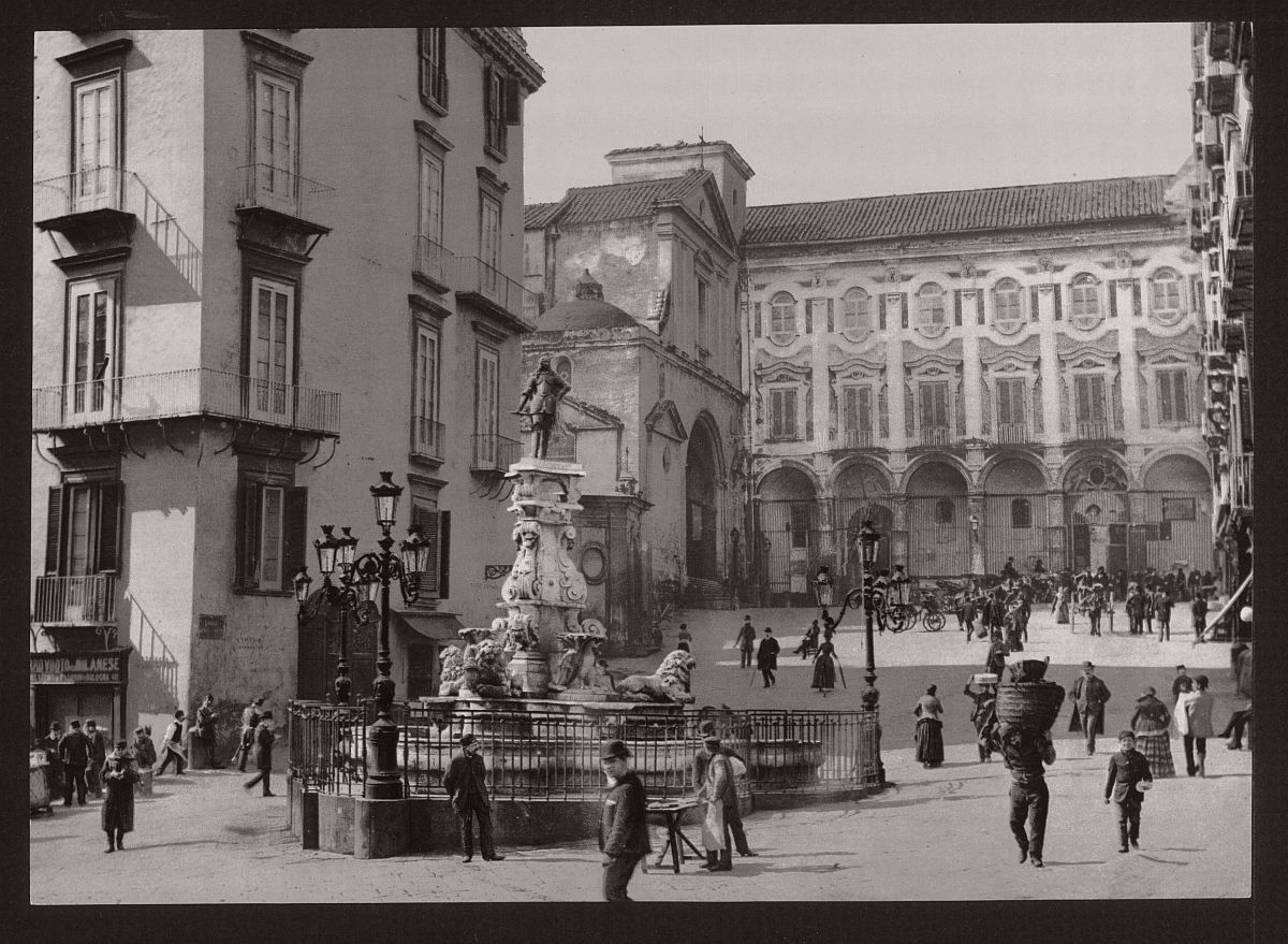 historic-bw-photos-of-naples-italy-in-19th-century-09