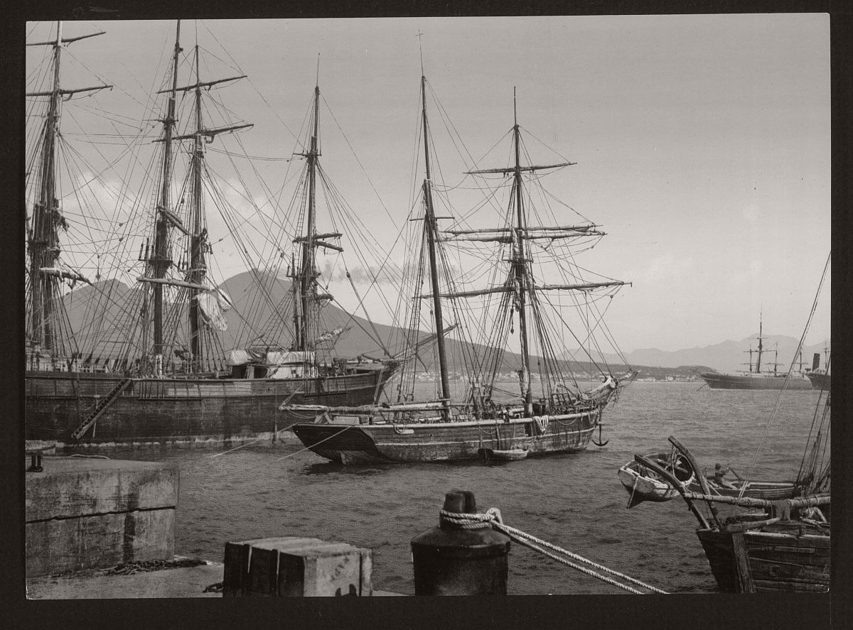 historic-bw-photos-of-naples-italy-in-19th-century-11