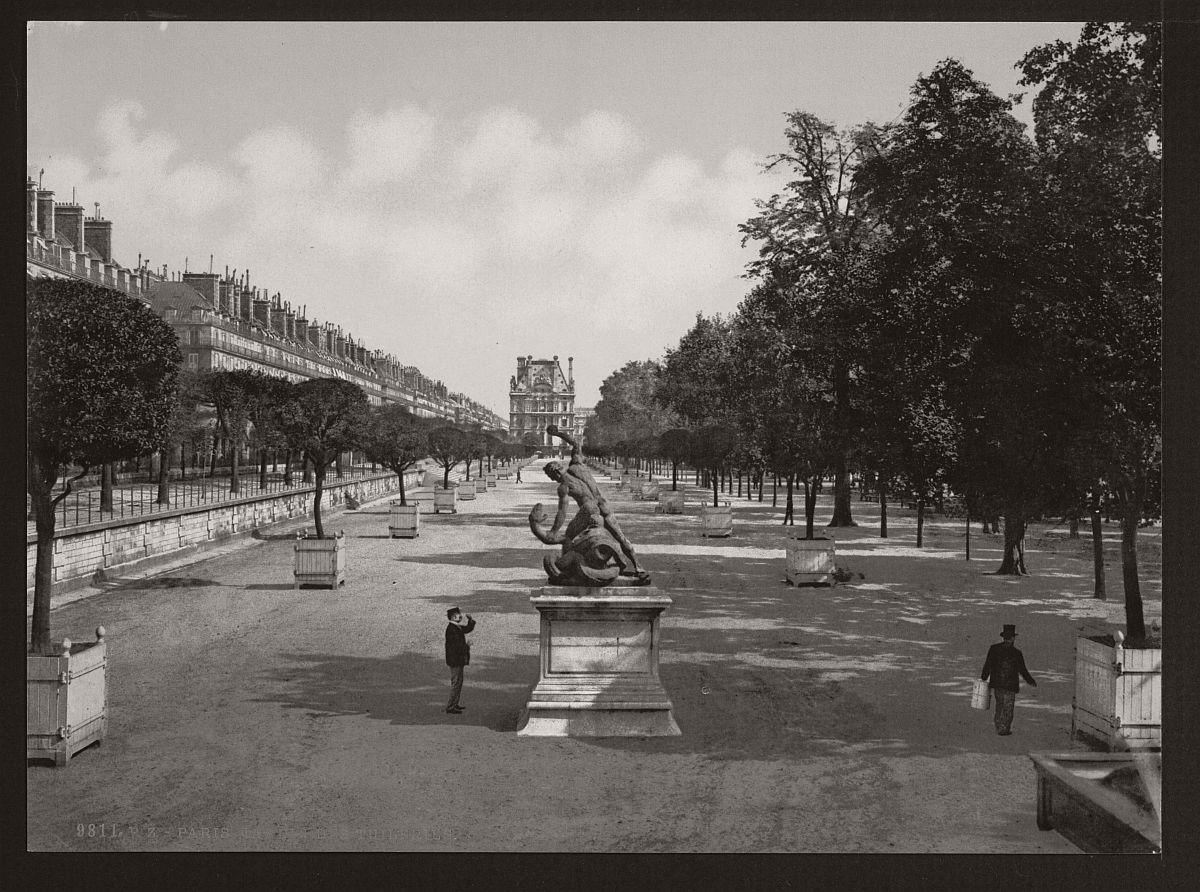 historic-bw-photos-of-paris-france-late-19th-century-07