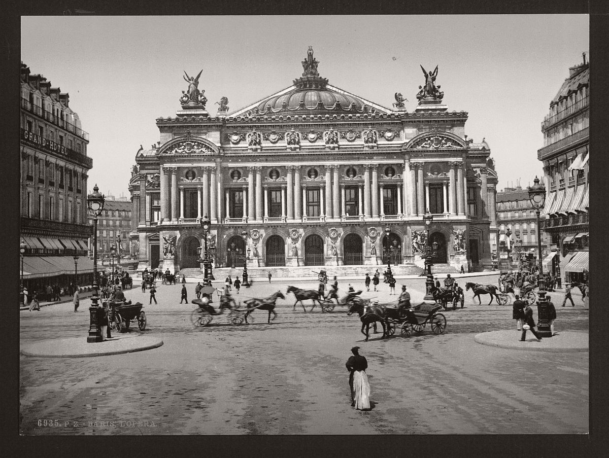 historic-bw-photos-of-paris-france-late-19th-century-12