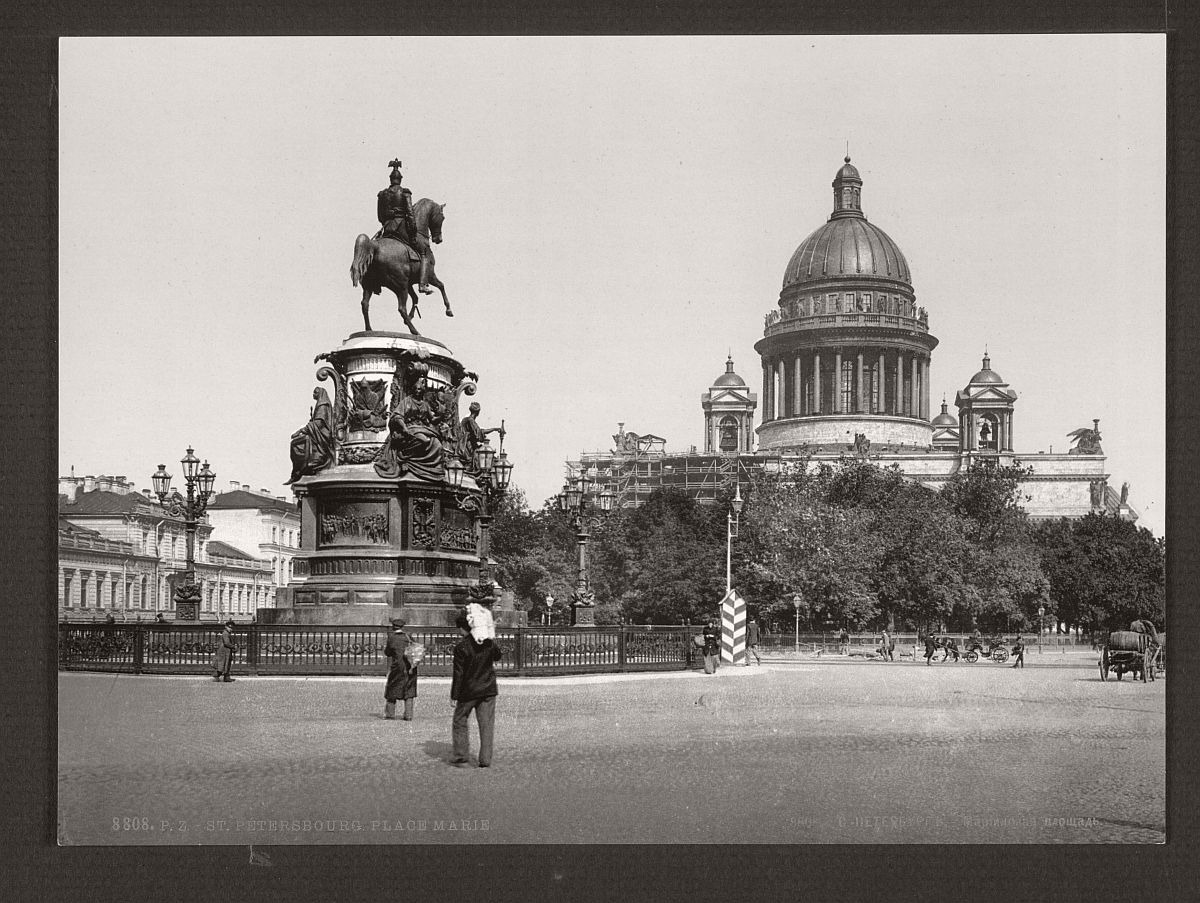 historic-bw-photos-of-st-petersburg-russia-in-the-19th-century-03