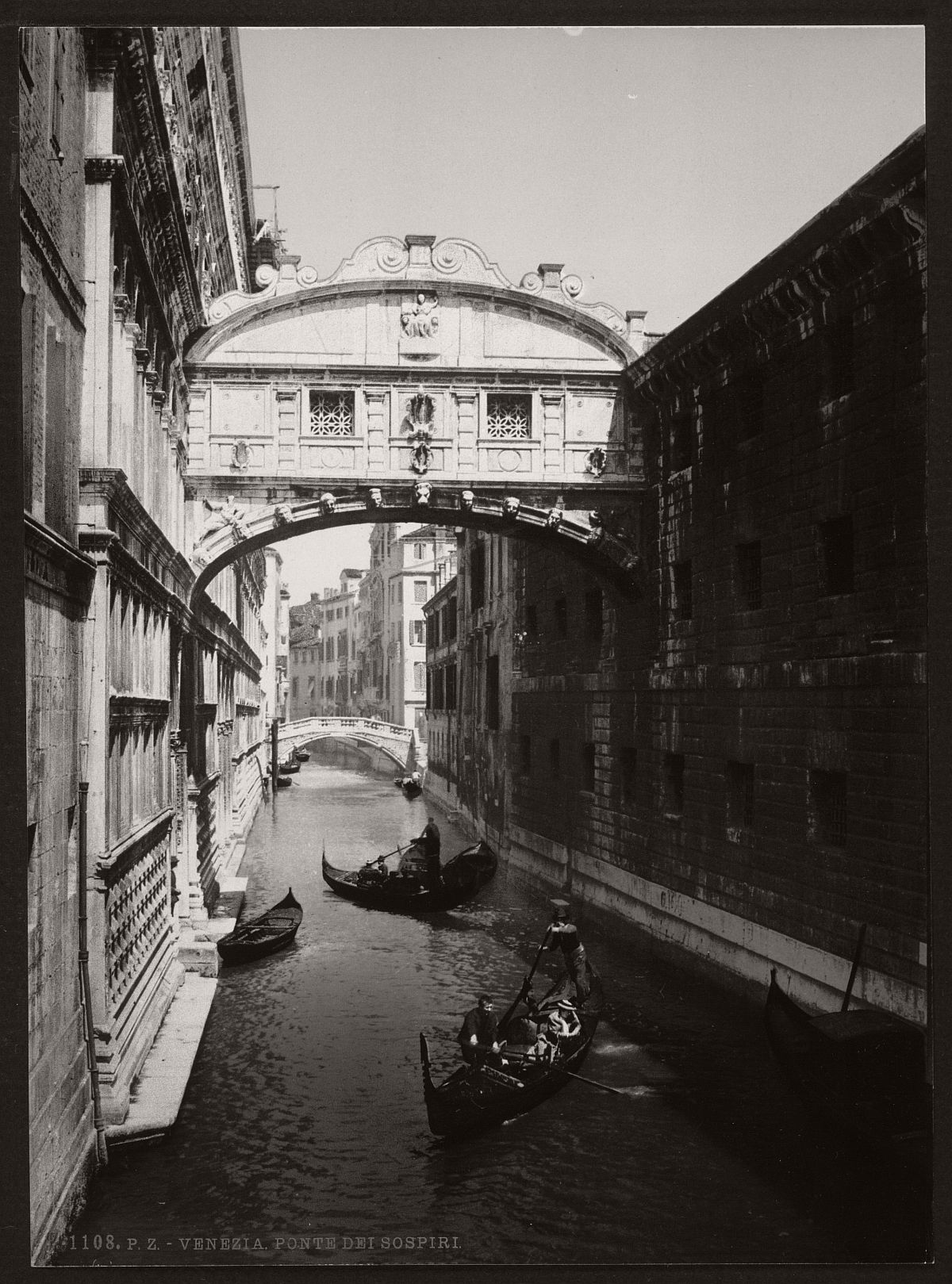 historic-bw-photos-of-venice-italy-in-19th-century-03