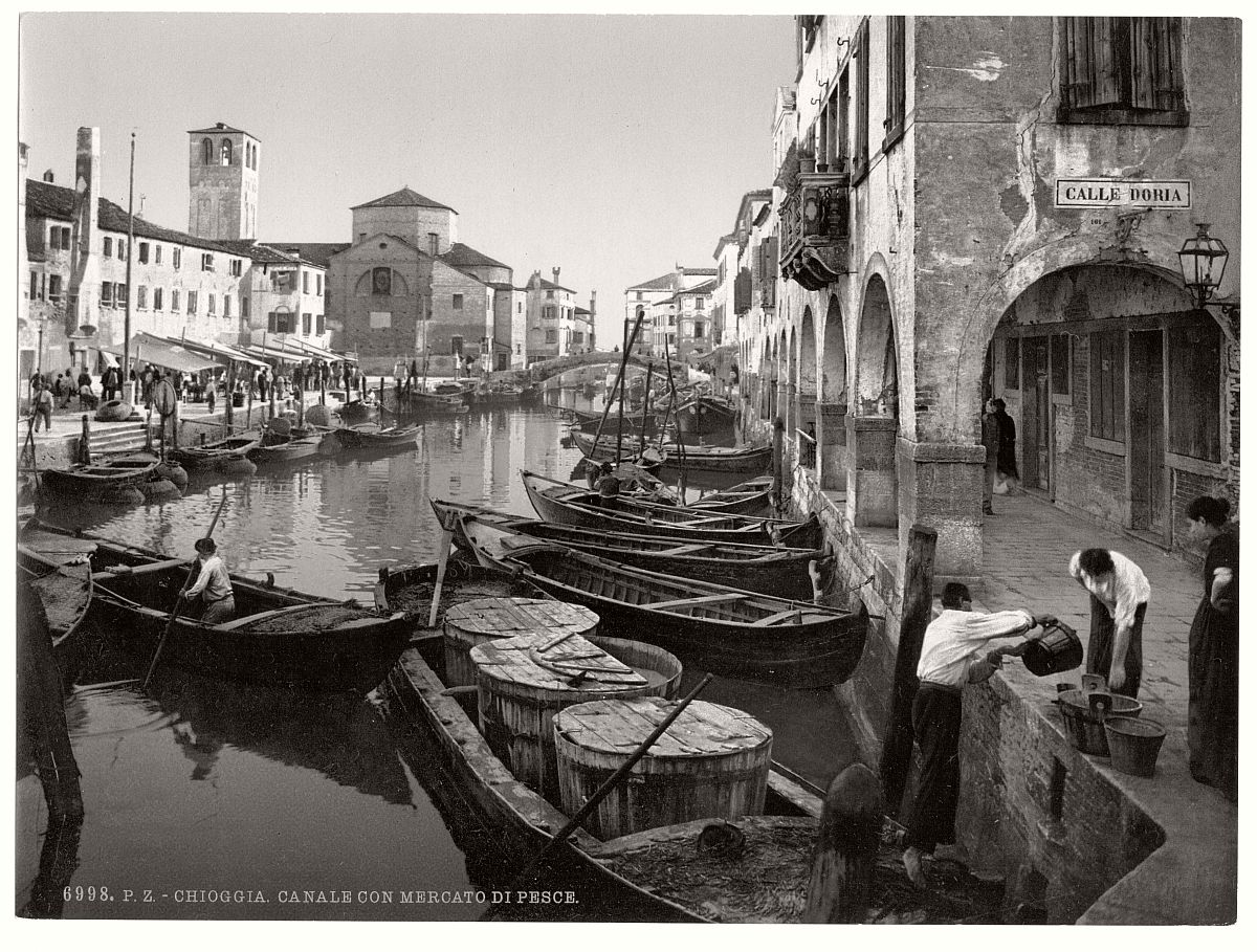 historic-bw-photos-of-venice-italy-in-19th-century-11