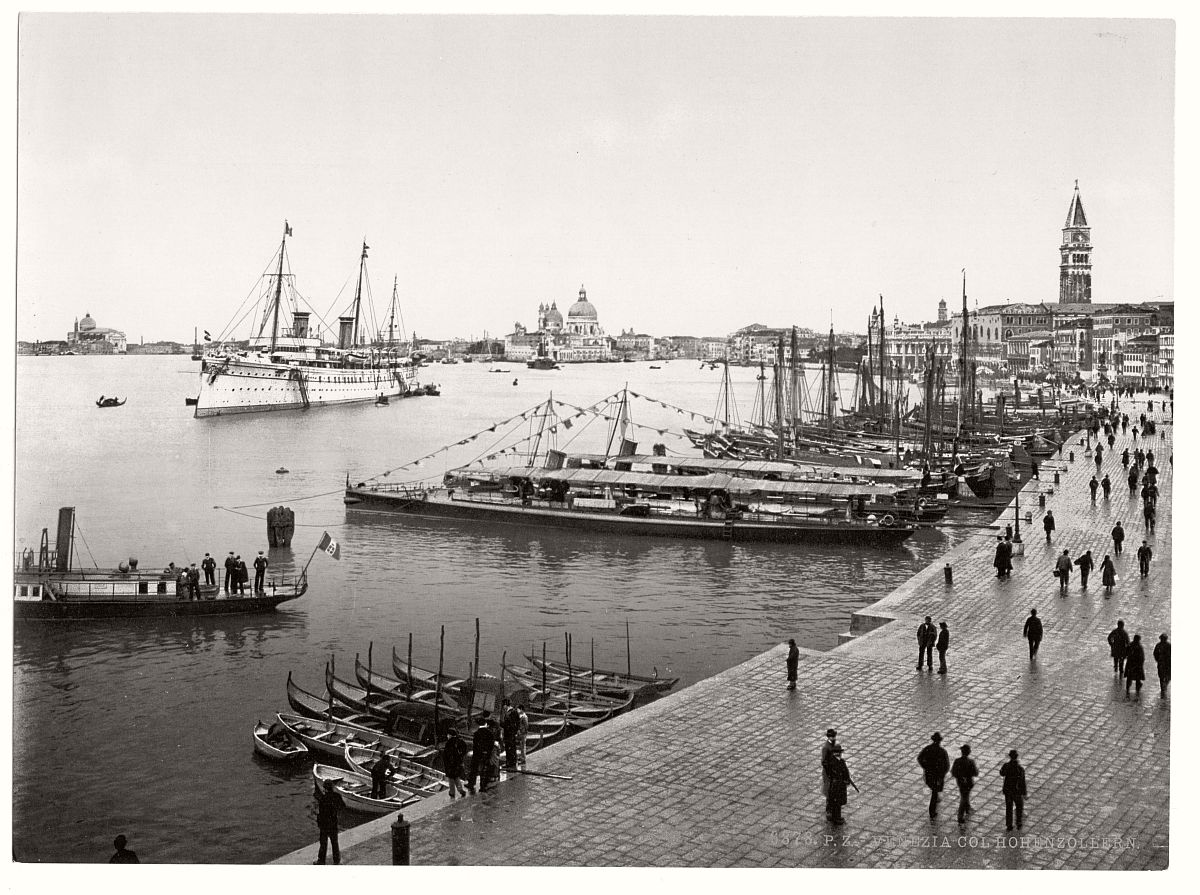 historic-bw-photos-of-venice-italy-in-19th-century-13