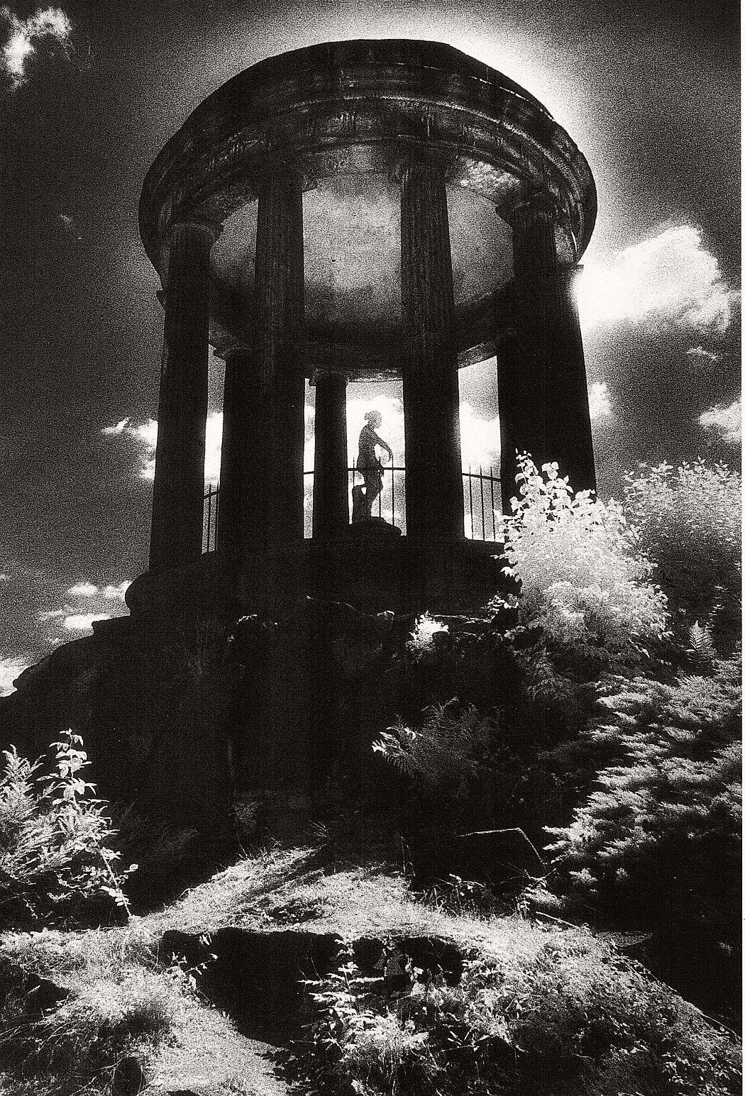 Biography: Surreal Architecture photographer Simon Marsden ...