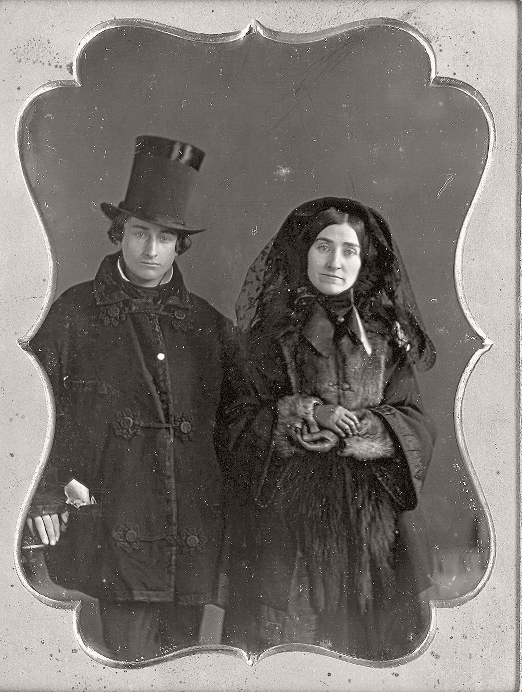 victorian-era-daguerreotype-of-men-in-hat-1850s-xix-century-02