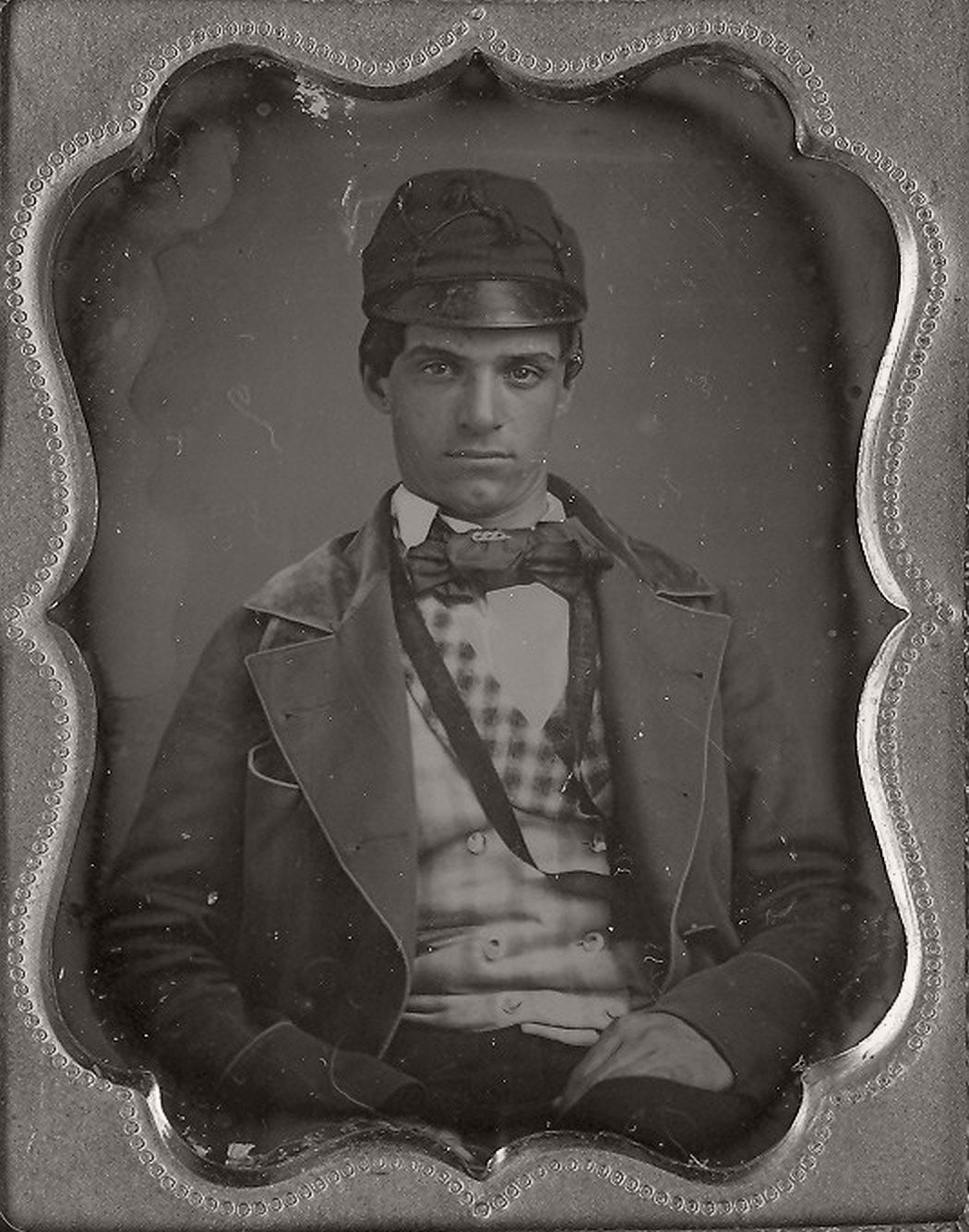 victorian-era-daguerreotype-of-men-in-hat-1850s-xix-century-08