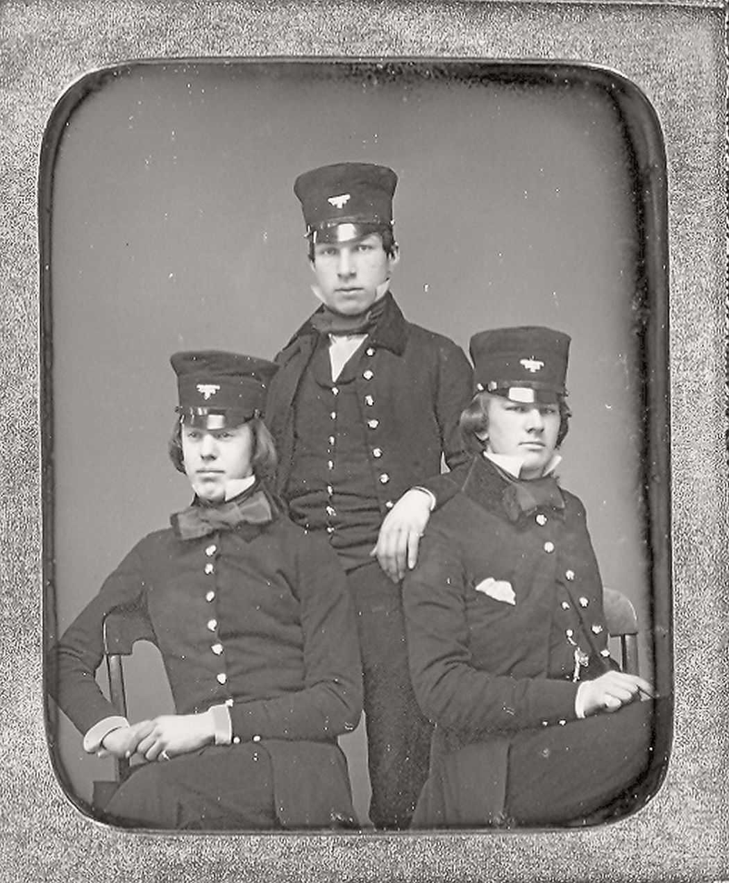 victorian-era-daguerreotype-of-men-in-hat-1850s-xix-century-23