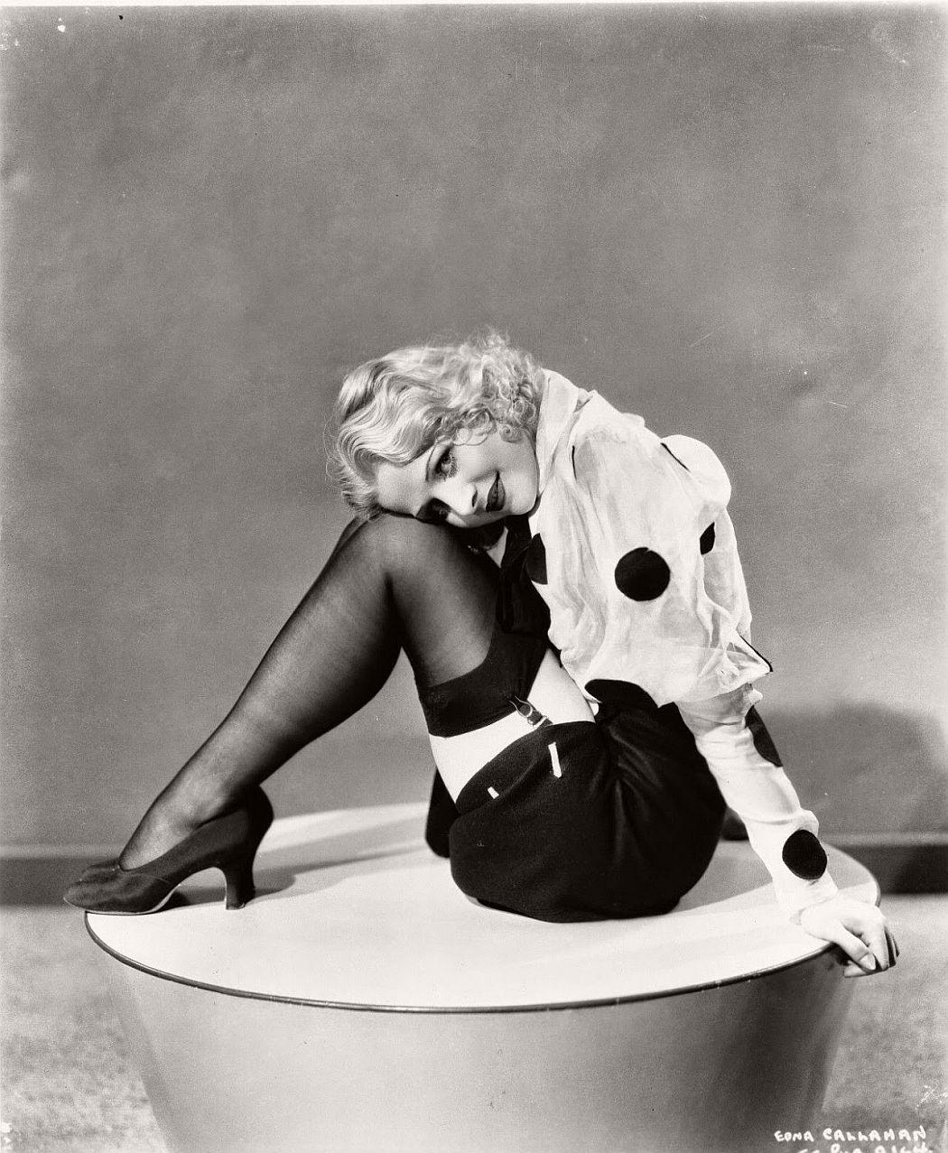vintage-black-white-portrait-hollywood-movie-actress-1930s-Edna-Callahan