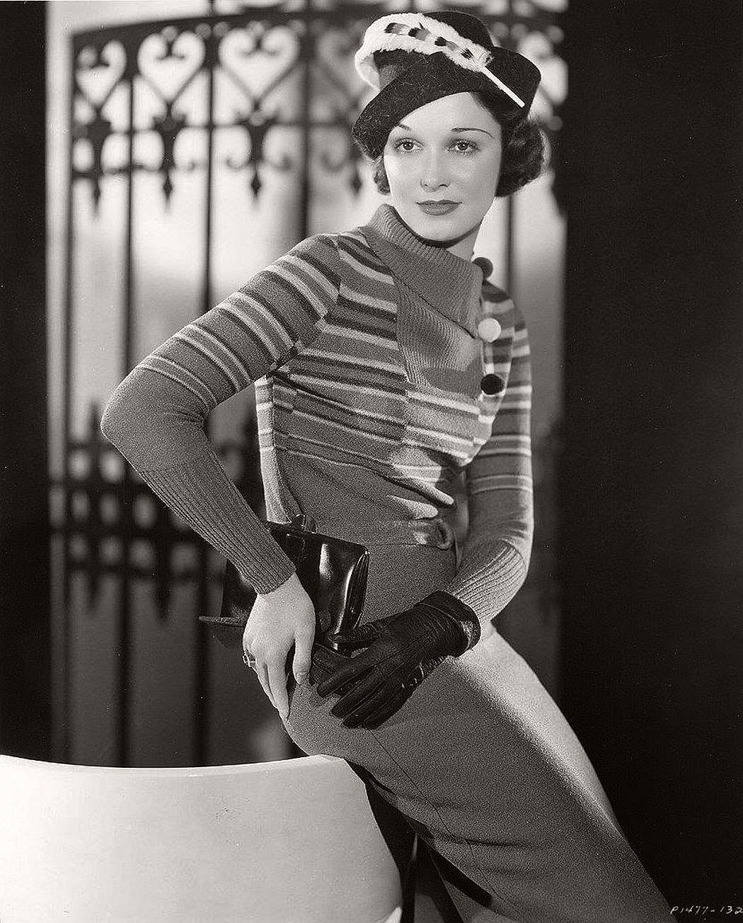 vintage-black-white-portrait-hollywood-movie-actress-1930s-Frances-Drake-2