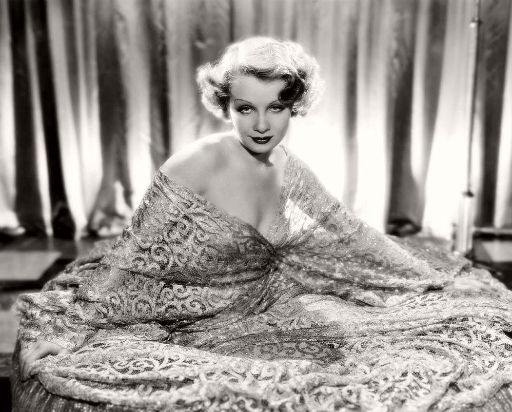 vintage-black-white-portrait-hollywood-movie-actress-1930s-Sari-Maritza-2