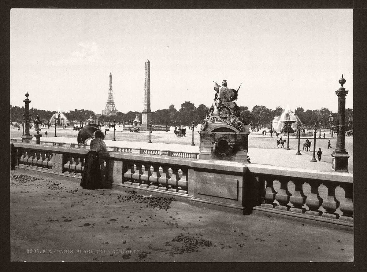 vintage-bw-photos-of-paris-france-late-19th-century-08