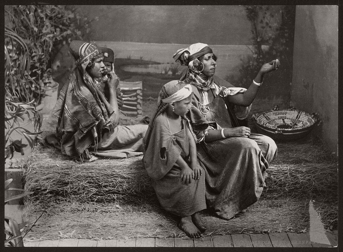 vintage-bw-photos-of-tunis-tunisia-late-19th-century-11