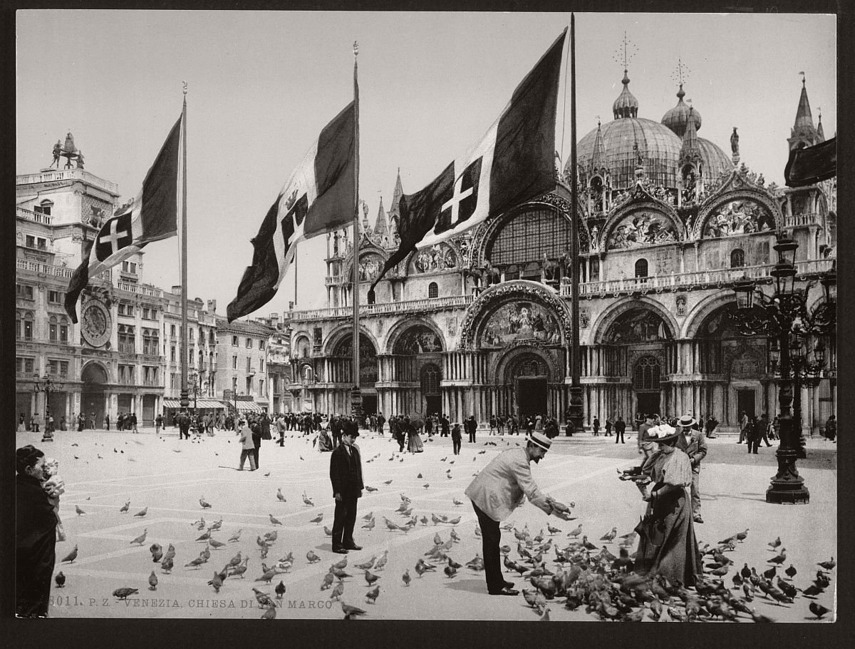 vintage-bw-photos-of-venice-italy-in-19th-century-02