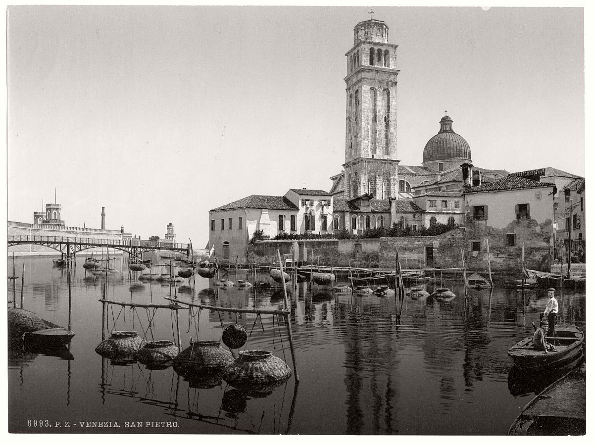 vintage-bw-photos-of-venice-italy-in-19th-century-09