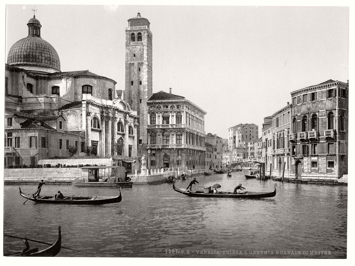 vintage-bw-photos-of-venice-italy-in-19th-century-14