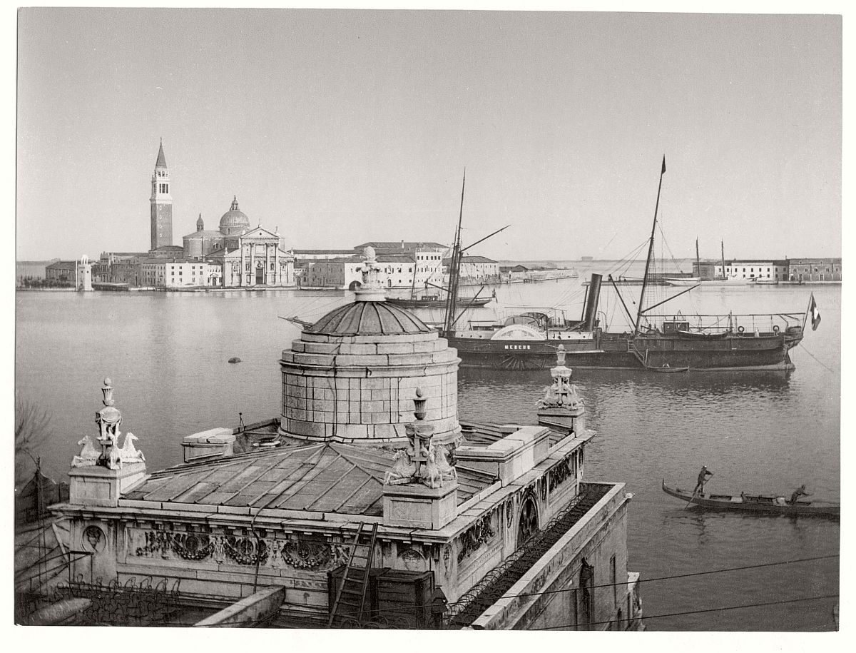 vintage-bw-photos-of-venice-italy-in-19th-century-17