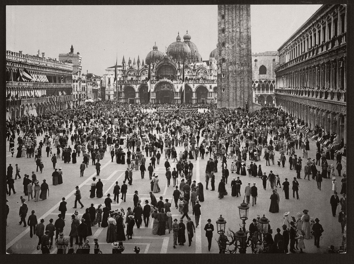 vintage-bw-photos-of-venice-italy-in-19th-century-23