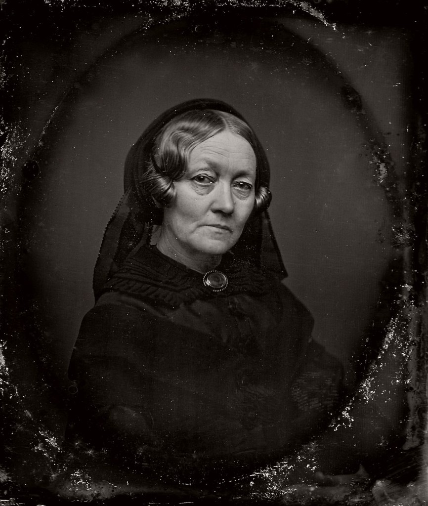 Vintage Daguerreotypes of widows in mourning (Victorian ...