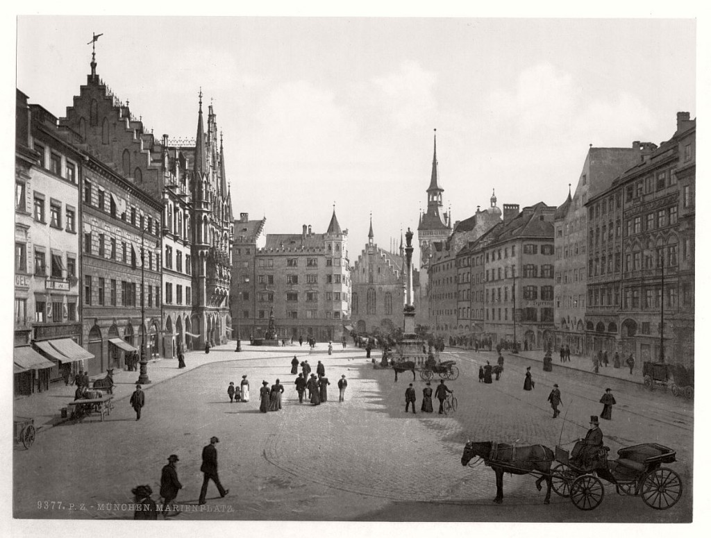 Historic B&W photos of Munich, Bavaria, Germany in the ...
