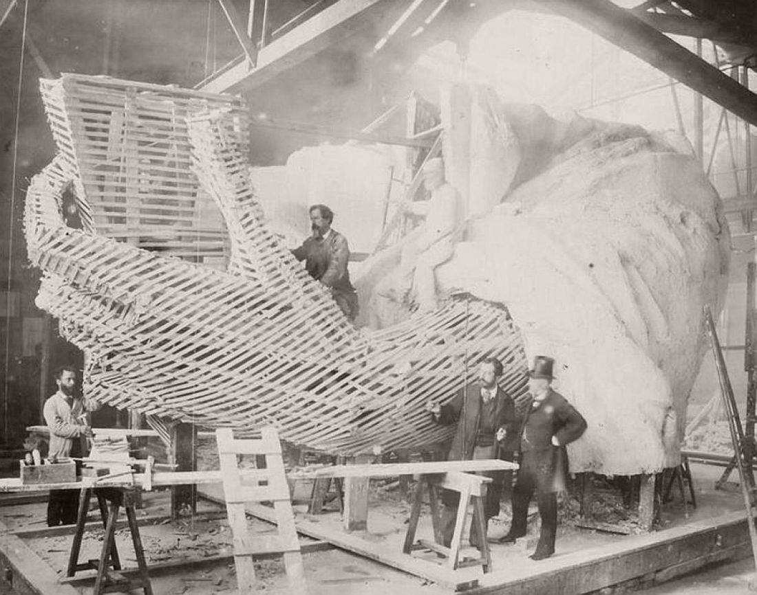vintage-images-of-statue-of-liberty-under-construction-1880s-11