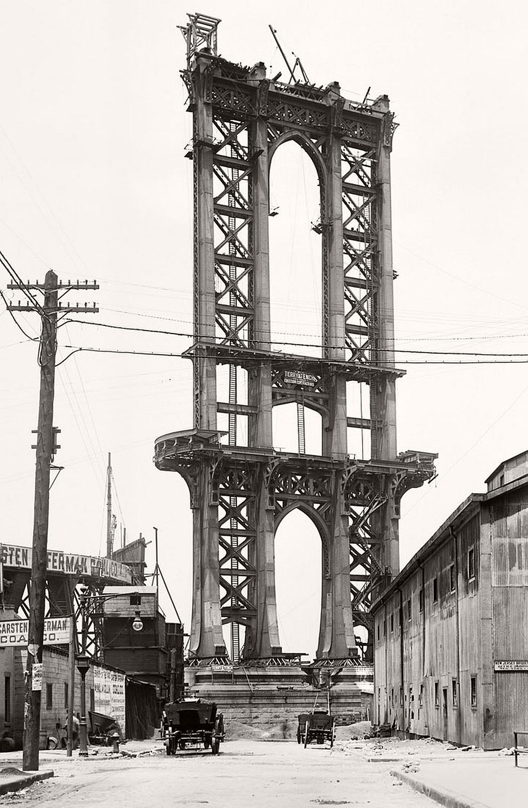 vintage-manhattan-bridge-under-construction-new-york-in-1908-08
