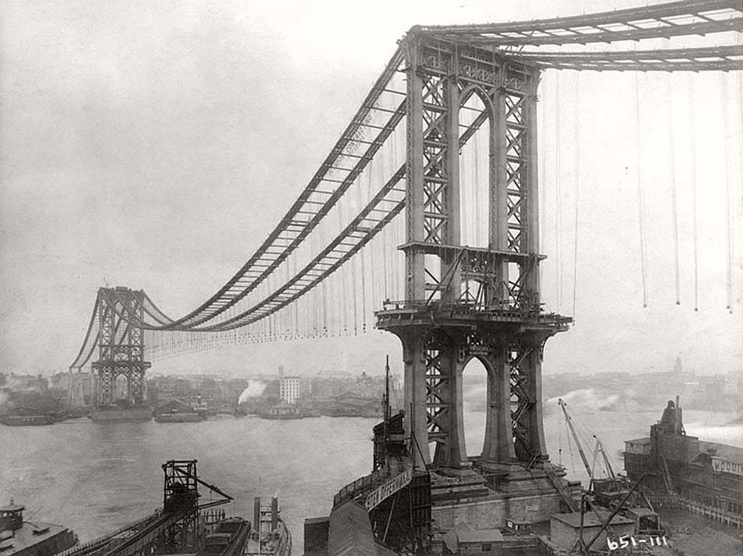 vintage-manhattan-bridge-under-construction-new-york-in-1909-05